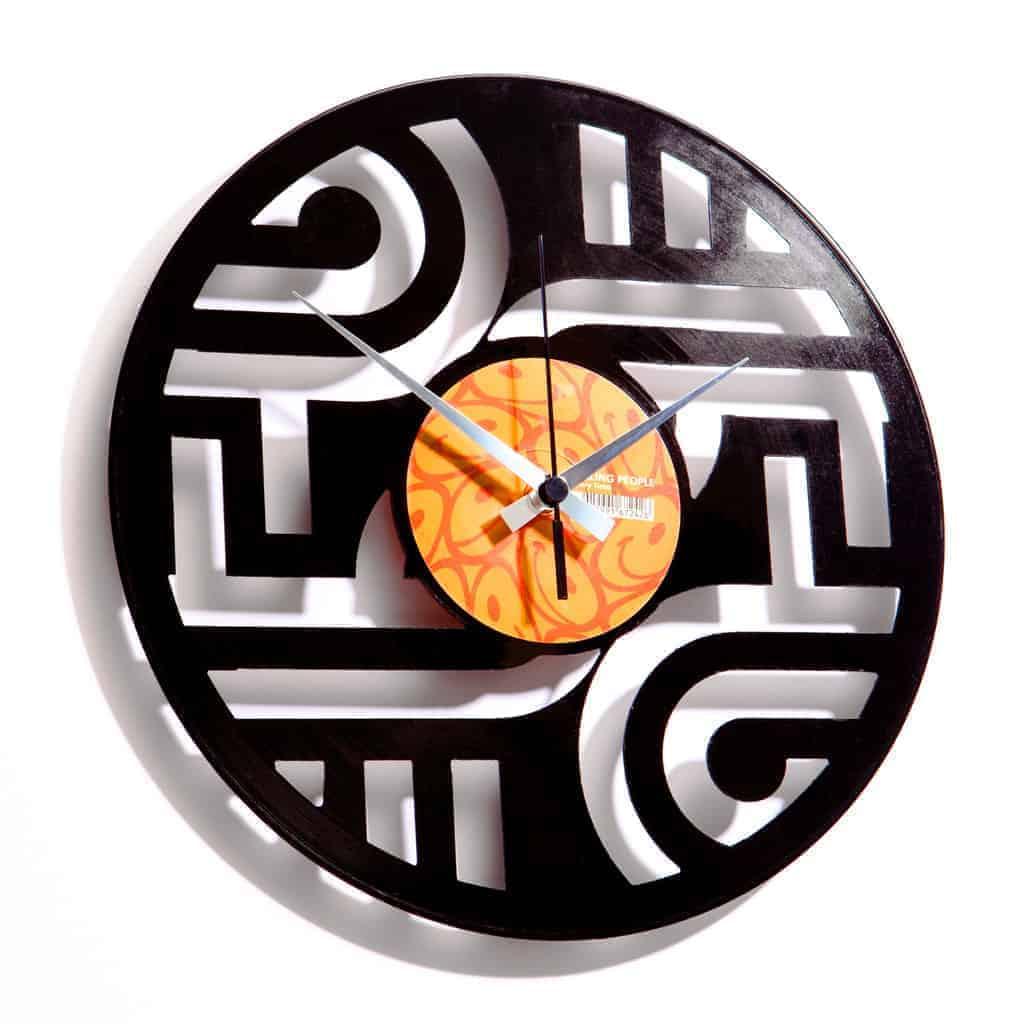 GEOMETRY #1 stenska ura iz gramofonske plošče