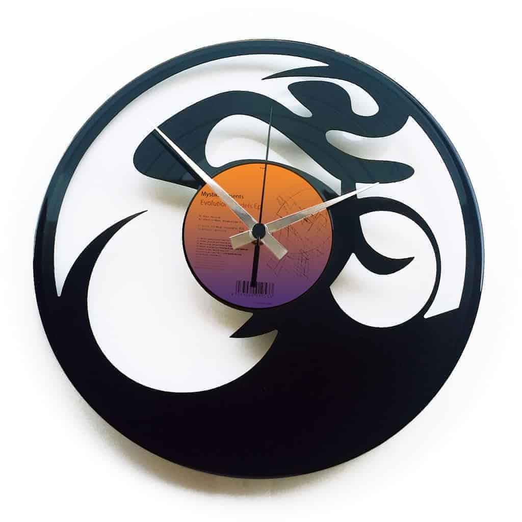 SCATTOFISSO stenska ura iz gramofonske plošče