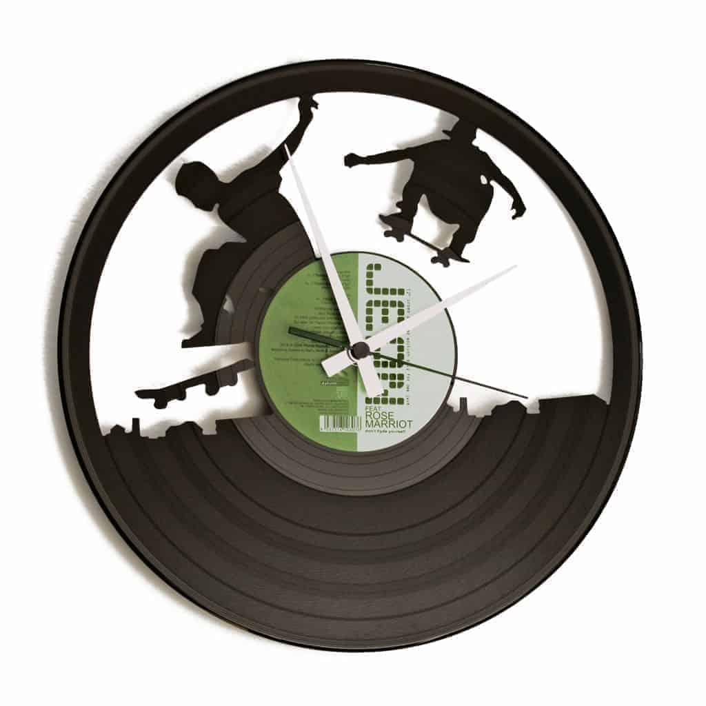 SK8 stenska ura iz gramofonske plošče