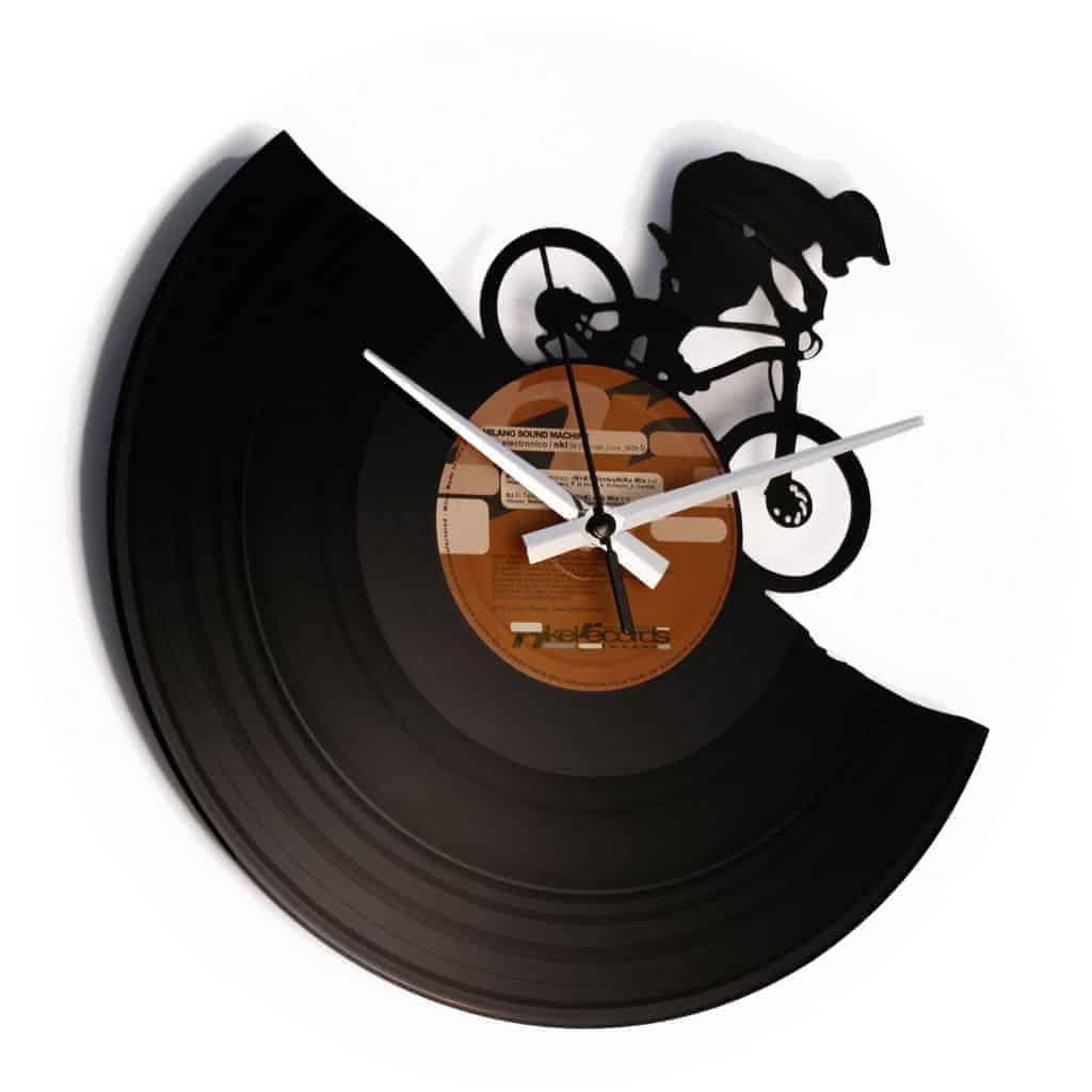 MTB stenska ura iz gramofonske plošče