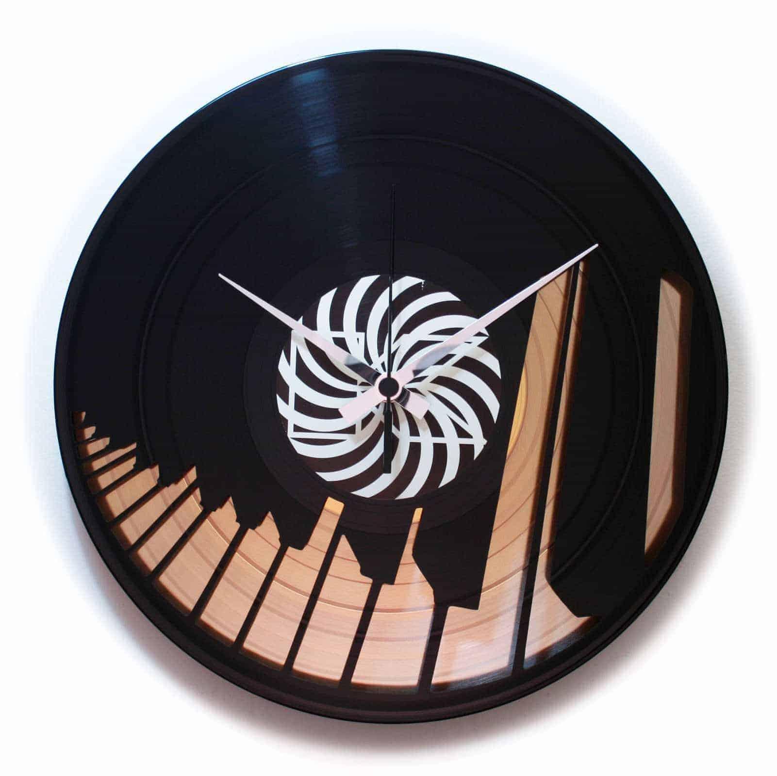 DD082** – ABBIAMO UN PIANO