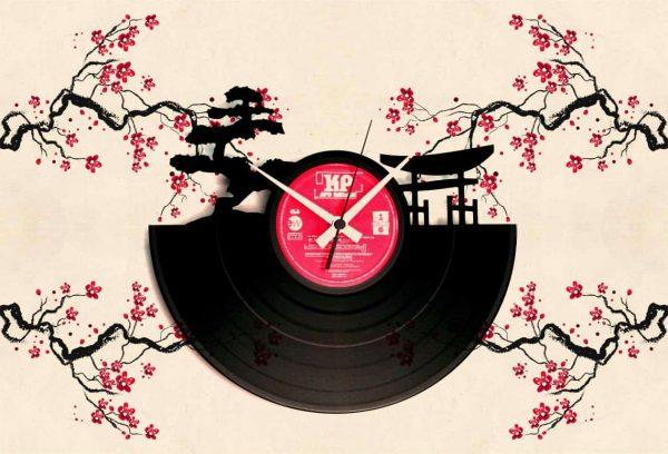 ABSTRACT VINYL RECORD CLOCKS